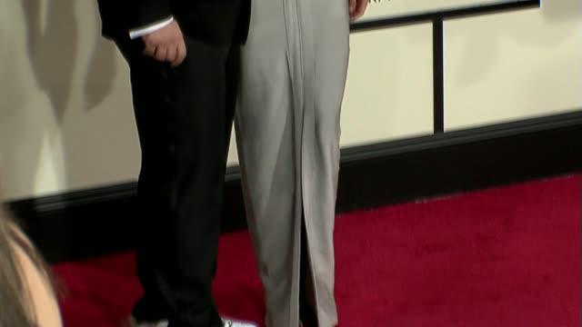 vídeos de stock e filmes b-roll de joey fatone, lisa rinna at the 50th annual grammy awards at los angeles california. - joey fatone
