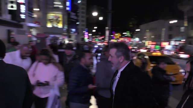 vídeos de stock e filmes b-roll de joey fatone outside the dumbo premiere at dolby theatre in hollywood in celebrity sightings in los angeles, - joey fatone