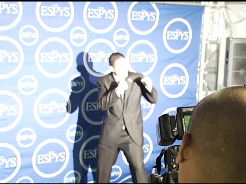 joey gilbert at the 2006 espy awards press room at the kodak theatre in hollywood, california on july 12, 2006. - espy awards stock videos & royalty-free footage