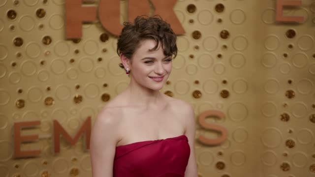 joey king at the 71st emmy awards - arrivals at microsoft theater on september 22, 2019 in los angeles, california. - emmy awards stock-videos und b-roll-filmmaterial