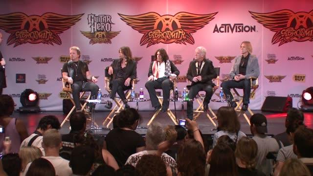 joey kramer at the aerosmith launches new guitar hero at new york ny. - エアロスミス点の映像素材/bロール