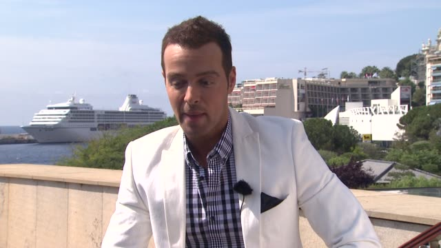 joey lawrence on his chemistry and shorthand with melissa joan hart, their long history as child stars at the 51st monte-carlo television festival -... - melissa joan hart video stock e b–roll