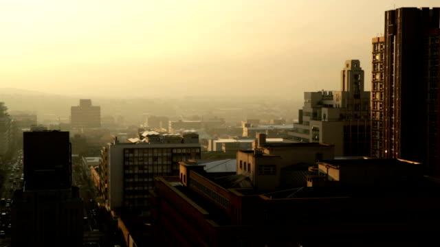 vídeos de stock e filmes b-roll de joanesburgo, amanhecer - joanesburgo