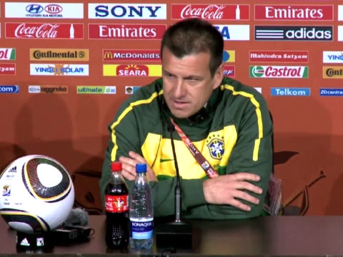 the extraordinary crush of media and fans' expectations is exerting even more pressure on brazil to get off to a flying start against north korea in... - campionato sportivo video stock e b–roll