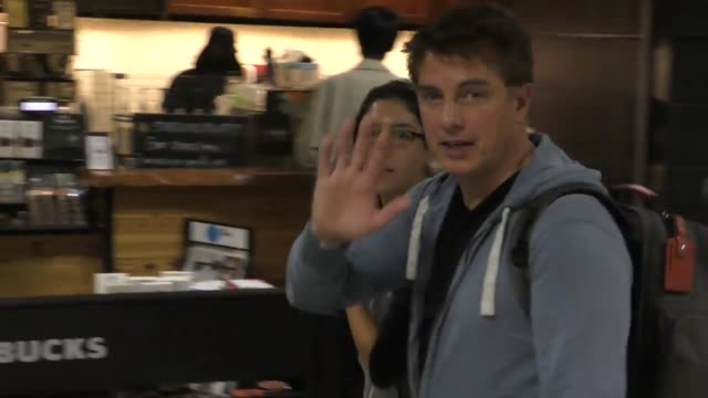 interview john barrowman on conventions at los angeles international airport at celebrity sightings in los angeles on may 29 2016 in los angeles... - john barrowman stock videos and b-roll footage