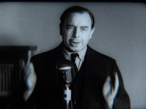 john boynton priestley visiting kiev, ukraine, soviet union - j b プリーストリー点の映像素材/bロール