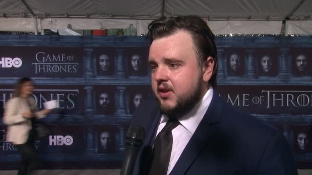 john bradley on that he's here at the tcl chinese theater and what it means to have his show premiere at such an iconic hollywood theater at the... - tcl chinese theater stock-videos und b-roll-filmmaterial