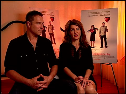 john corbett and nia vardalos on her character in the film at the 'i hate valentine's day' junket at los angeles ca - john corbett stock videos and b-roll footage