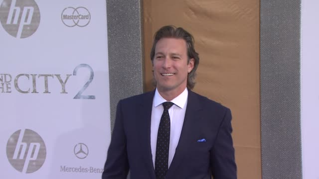 john corbett at the 'sex and the city 2' new york premiere arrivals at new york ny - john corbett stock videos and b-roll footage