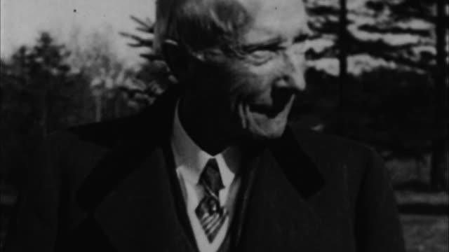 john davison rockefeller outdoors / usa - endast en pensionärsman bildbanksvideor och videomaterial från bakom kulisserna