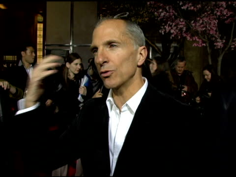 john deluca on the challenges and joys of choreographing the movie at the 'memoirs of a geisha' premiere at the kodak theatre in hollywood california... - ドルビー・シアター点の映像素材/bロール