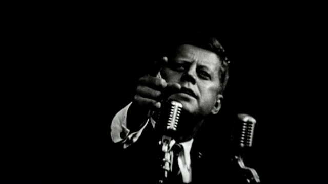 john f kennedy delivers a speech during the united states 1960 presidential election - john f. kennedy politik stock-videos und b-roll-filmmaterial