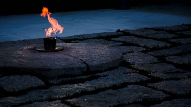 ジョン・f ・ケネディ墓 - アーリントン国立墓地点の映像素材/bロール