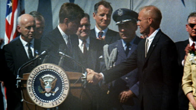 stockvideo's en b-roll-footage met ms jfk john fitzgerald kennedy and group on speaker's stand / washington d.c., united states - toespraak