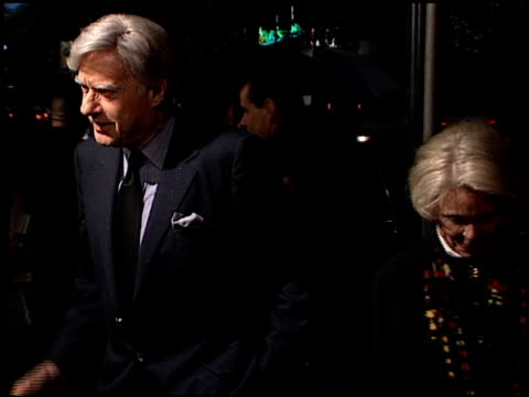 john frankenheimer at the 'reindeer games' premiere at the el capitan theatre in hollywood california on february 21 2000 - el capitan kino stock-videos und b-roll-filmmaterial