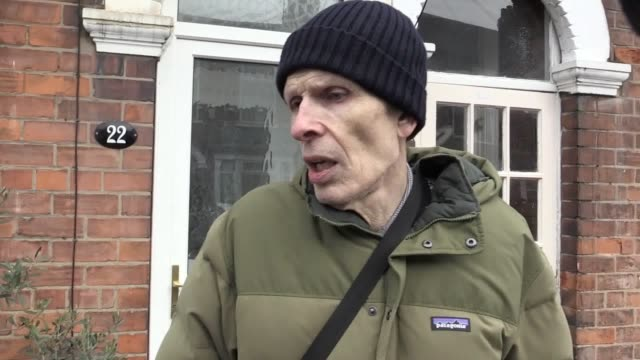 john garrity who lives at no 22 raglan st describes how the police asked to access his garden to make an arrest at no 24 in relation to the possible... - eventuell stock-videos und b-roll-filmmaterial