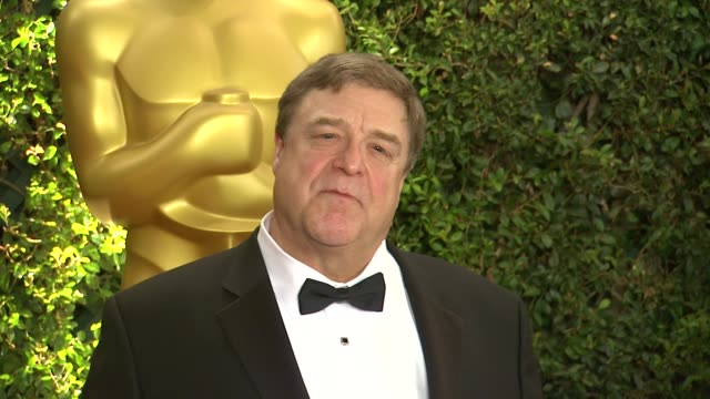 vídeos de stock e filmes b-roll de john goodman at academy of motion picture arts and sciences' governors awards in hollywood, ca, on . - academy of motion picture arts and sciences