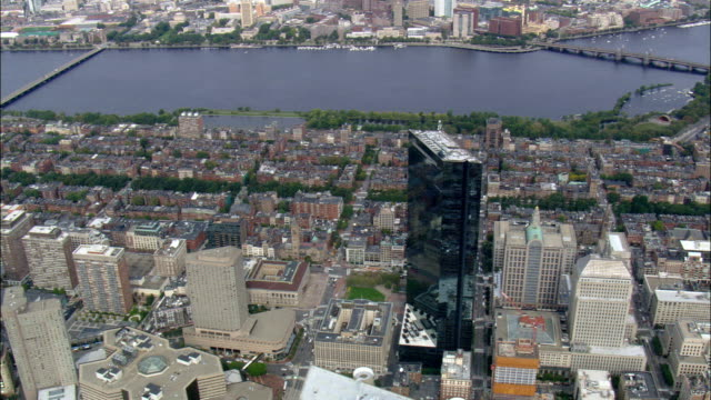 john hancock tower - luftbild - massachusetts, suffolk county, vereinigte staaten von amerika - back bay stock-videos und b-roll-filmmaterial
