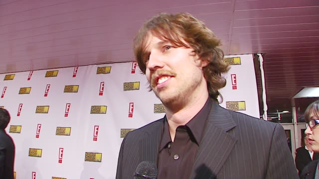 john heder on award shows, on presenting at the broadcast film critics association's 2007 critic's choice awards at santa monica civic auditorium in... - ブロードキャスト映画批評家協会点の映像素材/bロール
