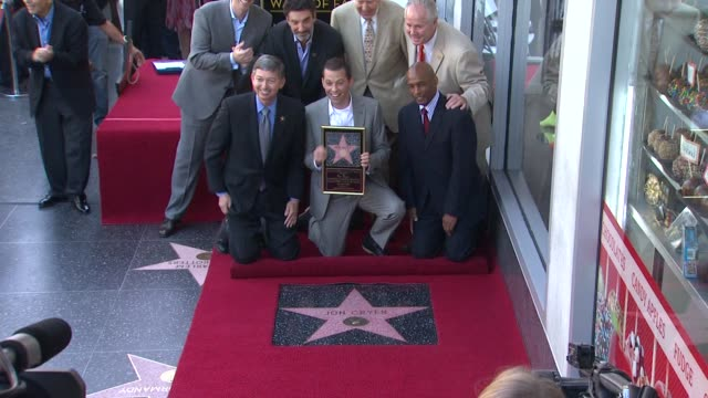 john henson chuck lorre carl reiner leron gubler jon cryer at the jon cryer honored with star on the hollywood walk of fame at hollywood ca - jon cryer video video stock e b–roll