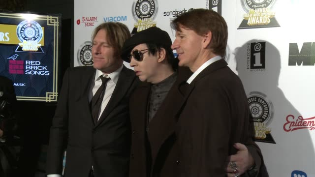 john houlihan marilyn manson and tyler bates at the 7th annual guild of music supervisors awards at the theatre at the ace hotel on february 16 2017... - マリリン マンソン点の映像素材/bロール