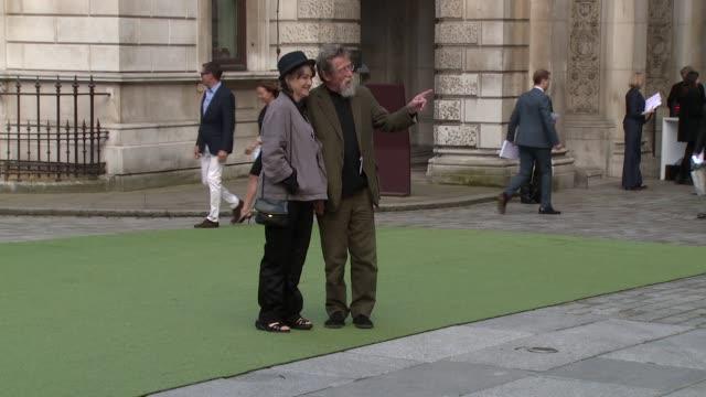 vídeos de stock, filmes e b-roll de john hurt at the royal academy of arts summer party on 4 june, 2014 in london, england. - royal academy of arts