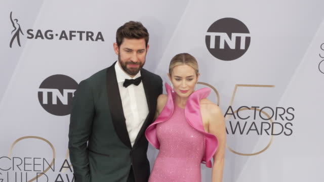 john krasinski and emily blunt at the 25th annual screen actors guild awards at the shrine auditorium on january 27 2019 in los angeles california - john krasinski stock videos and b-roll footage