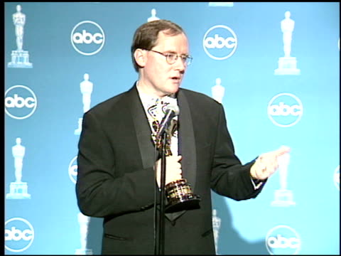vídeos de stock e filmes b-roll de john lasseter at the 1996 academy awards at the shrine auditorium in los angeles california on march 25 1996 - 68.ª edição da cerimónia dos óscares