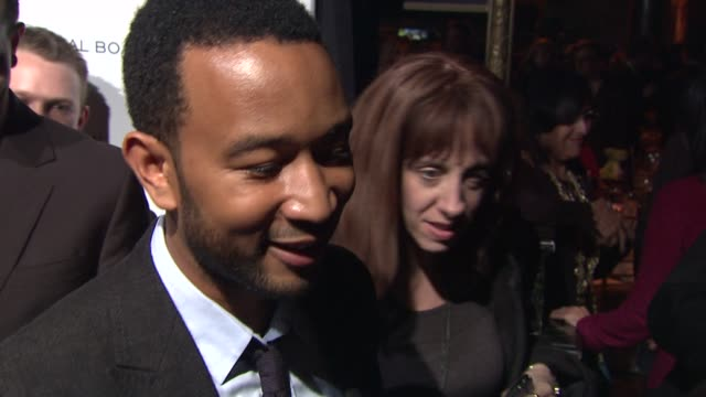 vídeos y material grabado en eventos de stock de john legend talks about what brought him out tonight composing music for waiting for 'superman' how excited the crew was to win the award and coming... - superman superhéroe