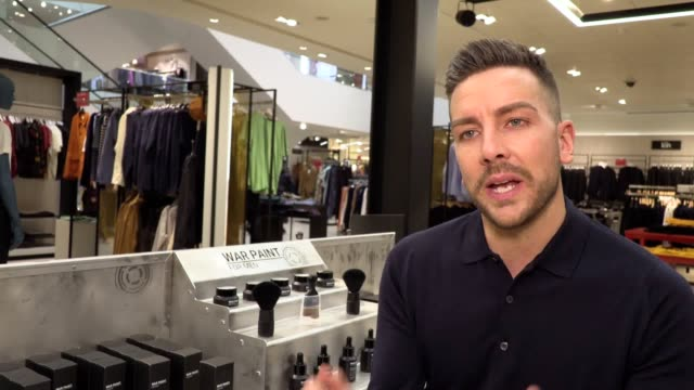 john lewis has teamed up with male cosmetics brand war paint for men to launch its first ever men's make up counter at its oxford street branch. war... - 身体醜形障害点の映像素材/bロール