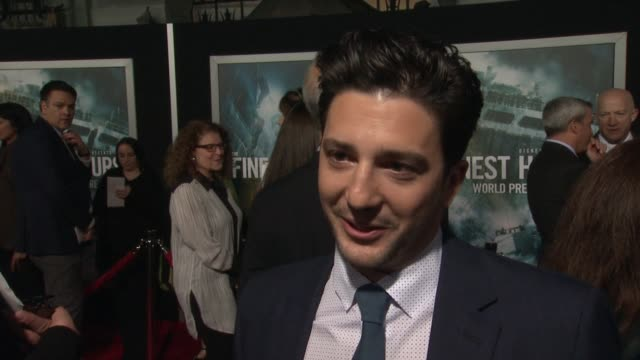 interview john magaro on what it means to have his movie premiere at such an iconic theater on if he's excited to see it in imax on what percentage... - tcl chinese theater stock-videos und b-roll-filmmaterial