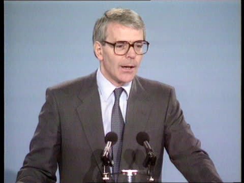 stockvideo's en b-roll-footage met john major and conservative policy southport major at tory central council speech on privatisation - southport engeland