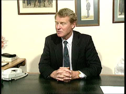 john major visit; england: london: hoc cms paddy ashdown intvw sof - john major should not have been put in a position where he should have to have... - gerald kaufman stock videos & royalty-free footage