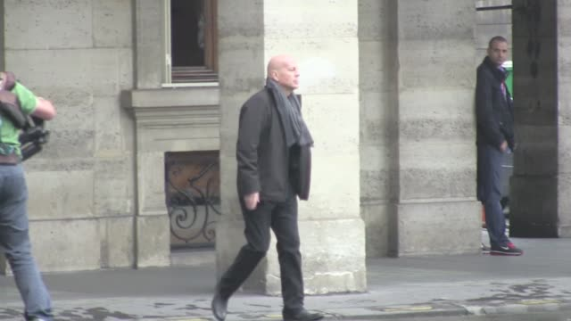 john malkovich bruce willis and mary louise parker shooting in pariswe spotted john malkovich bruce willis and mary louise parker on the parisian set... - bruce willis stock videos and b-roll footage