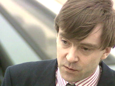 stockvideo's en b-roll-footage met john mccarthy talks at a press conference at raf lyneham about the other hostages who are still being held in the lebanon 11 aug 1981 - terry anderson