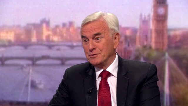 john mcdonnell saying he wants a general election but is putting the country before the party by making sure boris johnson takes a no deal brexit off... - john mcdonnell politician videos stock videos & royalty-free footage
