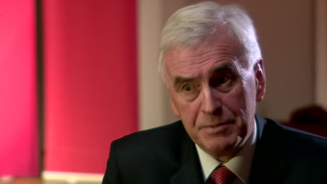 john mcdonnell saying parts of bt will come into public ownership in labour's broadband nationalisation plans - john mcdonnell politician videos stock videos & royalty-free footage