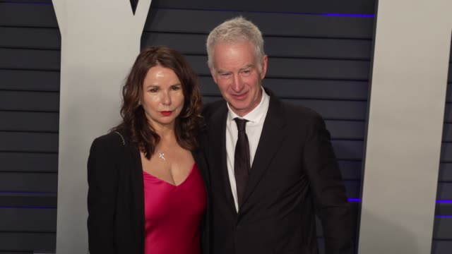 vídeos de stock, filmes e b-roll de john mcenroe and patty smyth at the 2019 vanity fair oscar party hosted by radhika jones at wallis annenberg center for the performing arts on... - vanity fair oscar party
