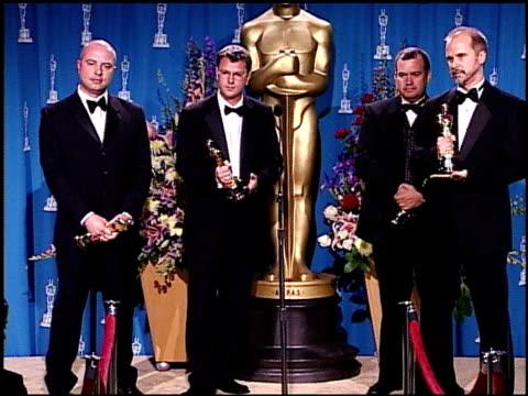 vídeos de stock e filmes b-roll de john nelson at the 2001 academy awards at the shrine auditorium in los angeles california on march 25 2001 - 73.ª edição da cerimónia dos óscares