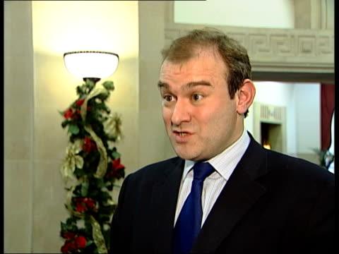 john prescott launches attack on tony blair's education reforms london int ed davey mp interviewed sot prescott has backed tony blair on tuition fees... - ジョン プレスコット点の映像素材/bロール