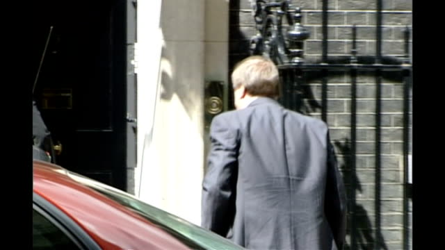 John Prescott takes seat in the House of Lords 562003 Downing Street Prescott sticking two fingers up to the media behind his back as enters Number 10