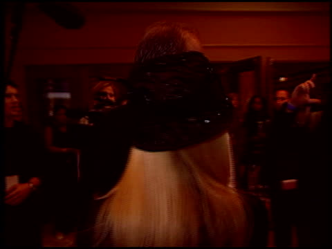 vídeos de stock, filmes e b-roll de john ratzenberger at the 'star wars: episode iii - revenge of the sith' premiere on may 12, 2005. - série de filmes star wars