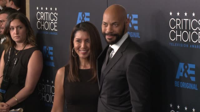 john ridley at the 2015 critics' choice television awards at the beverly hilton hotel on may 31, 2015 in beverly hills, california. - 放送テレビ批評家協会賞点の映像素材/bロール