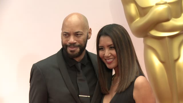 vídeos de stock e filmes b-roll de john ridley at the 87th annual academy awards - arrivals at dolby theatre on february 22, 2015 in hollywood, california. - the dolby theatre