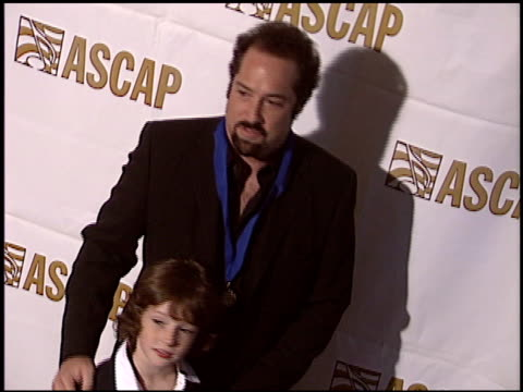 vidéos et rushes de john shank at the ascap pop music awards at the beverly hilton in beverly hills, california on may 16, 2005. - ascap
