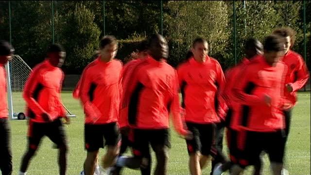 john terry racism allegations r18101104 cobham ext chelsea fc footballers training - コブハム点の映像素材/bロール