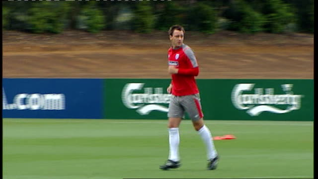 john terry stripped of england captaincy date unknown terry training - リチャード・パロット点の映像素材/bロール