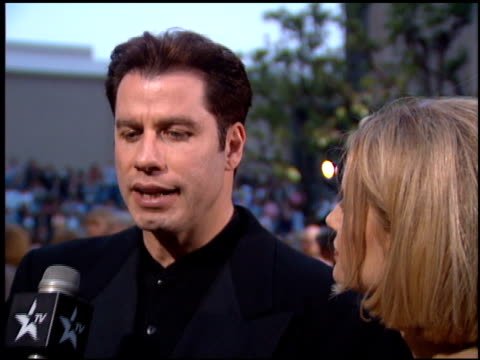 stockvideo's en b-roll-footage met john travolta at the 1995 screen actors guild sag awards at universal studios in universal city california on february 25 1995 - 1995