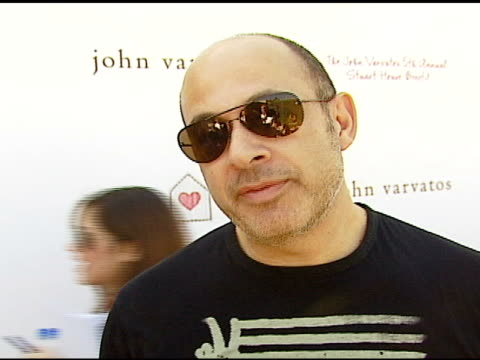 john varvatos on how the event got started, on stuart house, on converse, on macy gray, on how the event has grown each year at the john varvatos 5th... - メイシー グレイ点の映像素材/bロール