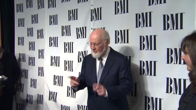 vidéos et rushes de john williams at composer rolfe kent receives bmi's richard kirk award at the bmi film television awards on 5/16/12 in los angeles ca - compositeur